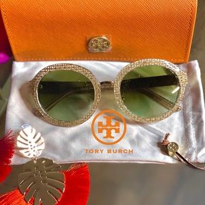 🆕AUTHENTIC TORY BURCH CRYSTAL SUNGLASSES🆕